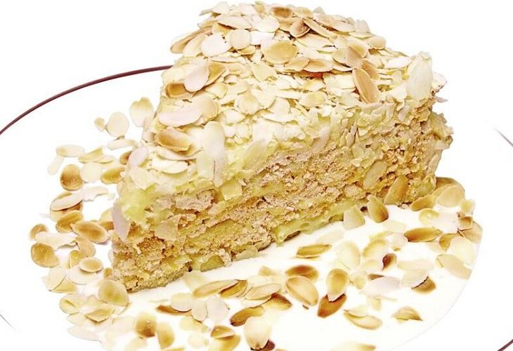 Миндальный торт слоеный